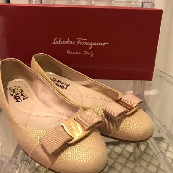 976164344 Salvatore Ferragamo flats, shoes size 6.5. M_5a96072d2ae12f1a4bf3f746